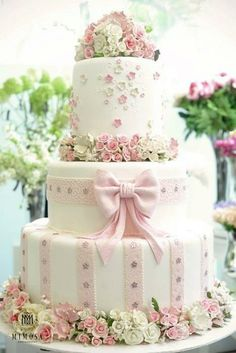 pretty wedding cake!