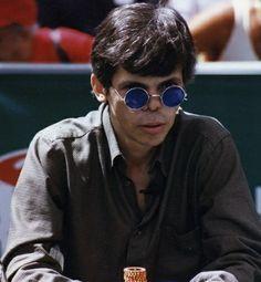 Curiosidades do WSOP: Stu Ungar, considerado por muitos o melhor jogador da história, não tinha como pagar o buy-in do Main Event de 1997. Ele conseguiu dinheiro emprestado e após passar por 311 jogadores foi campeão e ganhou US$1 milhão.