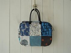 ミナペルホネン mina perhonen piece bag ピースバッグ(ba80-1906-11)【82F91】 – drop archives Felt Bags, Handmade Felt, Pouches, Archive, Drop, Quilts, Quilt Sets, Quilt, Log Cabin Quilts