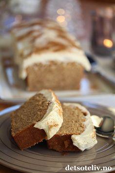 Myk pepperkake med ostekrem | Det søte liv Let Them Eat Cake, Food And Drink, Bread, Snacks, Baking, Desserts, Christmas, December, Recipes