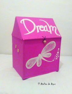 #juguetero de madera decorado. Ideales para cuartos de juego infantiles #decoracióninfantil #decoracióncreativa www.facebook.com/elatelierdeagus