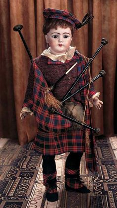 German Bisque Child by Simon and Halbig with Superb Scottish Costume Marks: SH 1079 13 DEP. Comments: Simon and Halbig,circa Value Points: exceptional Scottish costume includes wooden bagpipes. Victorian Dolls, Vintage Dolls, Victorian Dollhouse, Vintage Paper, Madame Alexander, Scottish Costume, Costume Garçon, Chibi, Valley Of The Dolls