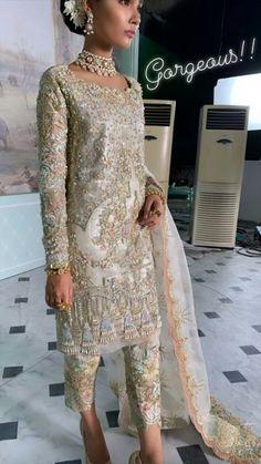 Shadi Dresses, Pakistani Formal Dresses, Pakistani Wedding Outfits, Latest Pakistani Fashion, Pakistani Couture, Indian Bridal Fashion, Indian Dresses For Women, Beautiful Dresses For Women, Indian Outfits
