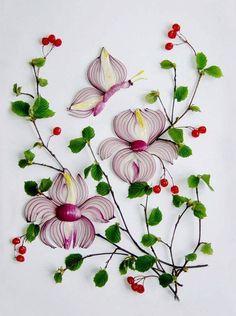 Identifying Berries and Shrubs in Garden Art - Food Carving Ideas L'art Du Fruit, Fruit Art, Fruit Cakes, Art Floral, Veggie Art, Veggie Food, Creative Food Art, Bread Art, Food Carving