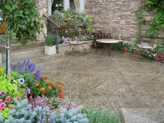 LOVE this stamped and stained concrete patio!!!