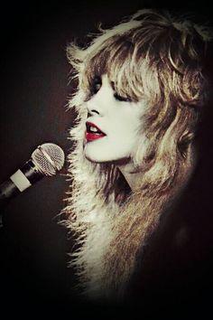 a stunning Stevie  Nicks art~ ☆♥❤♥☆ ✔✔✔✔ THE GIRL SEEMS 2 BE EVERYTHING