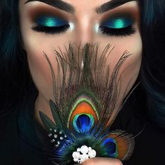 "11.5k Likes, 116 Comments - F R A N C E S C A (@littledustmua) on Instagram: ""PEACOCK  Products used: Eyes with  @sugarpill #sugarpill and @juviasplace Masquerade…"""
