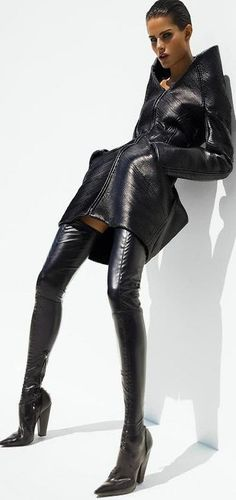 Isabeli Fontana and leather | LBV♥✤ | KeepSmiling | BeStayElegant