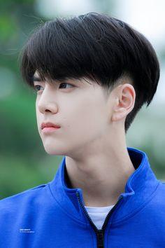 Korean Haircut Men, Korean Boy Hairstyle, Undercut Hairstyles, Boy Hairstyles, Young Men Haircuts, Short Hair For Boys, Two Block Haircut, Witcher Wallpaper, Cool Boy Image
