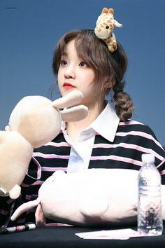South Korean Girls, Korean Girl Groups, Soyeon, Fandoms, Cube Entertainment, Just Girl Things, Greatest Songs, Minnie, Ulzzang Girl