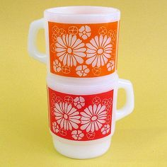 Vintage Glass Coffee Cups with Daisies ~ Mary Wald's Place -   | Anchor Hocking Marguerite Mugs | Marguerite was a design made by Anchor Hocking, also made by the Fire King Division in the late 70's. Pretty and Groovy.