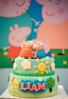 Liam's Birthday: A Peppa Pig Theme Party - so natty Peppa Pig Birthday Cake, 3rd Birthday, Jüngstes Kind, Pig Party, Party Themes, Desserts, Good Ideas, Decorating Ideas, Gardening