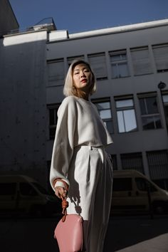 Minimalism in practice: look effortless all the time with these four styling steps: Jiawa Liu of Beige Renegade shares her top tips in effortless dressing for the minimalist in us all.