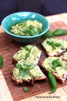 Avocado Toast, Feta, Zucchini, Nom Nom, Good Food, Food And Drink, Cheese, Breakfast, Morning Coffee