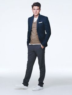 Nice blazer and overal style