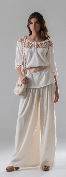 Love this outifit! It looks comfy and is beautiful!