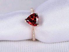 Garnet Engagement Rose Heart Shaped by milegem Bridal Rings, Wedding Ring Bands, Cute Jewelry, Jewelry Accessories, Cute Rings, Beautiful Rings, Ring Designs, Garnet, Heart Shapes