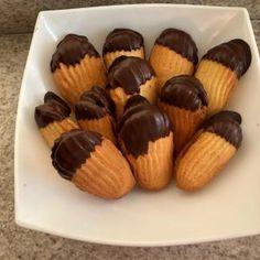 Υπέροχα και λαχταριστά Πτι φουρ Mini Cupcakes, Almond, Muffin, Breakfast, Desserts, Food, Morning Coffee, Tailgate Desserts, Deserts