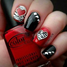 Nail art is now integrated into the world of style and is currently sported as an accessory to any look. Nail art may also be an expression of somebody's personality. Nail art is an exclusive… Nail Art Fleur, Valentine's Day Nail Designs, Nails Design, Valentine Nail Art, Chic Nails, Heart Nails, Manicure E Pedicure, Pedicure Ideas, Fancy Nails