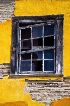 "500px / Photo ""A janela"" by Gabriel (BIEL)"