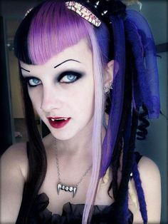 #Cyber-Goth #Vampire very sweet, until she bites you...