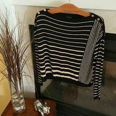 *** clearance***Sweater 40% rayon 30% nylon 26% polyester 40% wool very comfy and perfect for work or play Ann Taylor Sweaters Crew & Scoop Necks