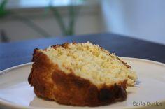 Receita de família do delicioso bolo simples da vóvó. Bolo branco fácil de fazer, perfeito para acompanhar com chá ou café.