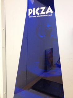 Patsas Roland LPX-60 3D-laserskannerissa.