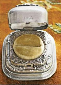 Vintage, antique ring box.