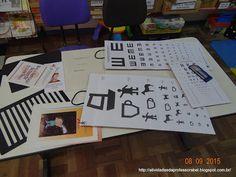 Os materiais que recebi da FCEE estão exposto sobre a mesa