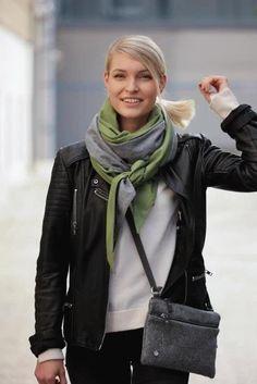 Schal aus feinstem Loden aus 100% Merinowolle. Das Schultertuch besticht durch ein angenehmes Tragegefühl. Das Dreieckstuch ist personalisierbar durch ein individuelles Monogramm und somit ein perfektes Geschenk. Passend zum modernen Outfit und zu Dirndl und Tracht.----- Shawl made from finest loden from 100% merinowool.  Scarf, shoulder scarf. Suitable to modern outfits and traditional clothes like dirndl. Perfect personalised Gift. #scarf #austriandesign #merinowool Winter Outfits, Casual Outfits, Moderne Outfits, Minimal, Gift Ideas, Fall, Fashion, Special Gift For Boyfriend, Confident Woman