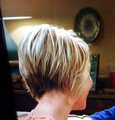Chelsea Kane hair in Baby Daddy. Short shaggy bob
