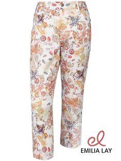 Frühlingsgefühle mit der Blumen-Hose von Anna Aura!