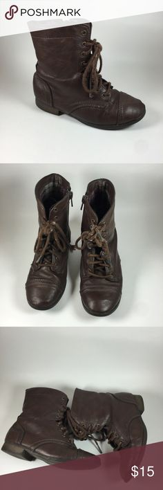 Brown western girl boots SIZE 12 Cute dark brown western boots in excellent condition with plaid interior size 12 Shoes Boots