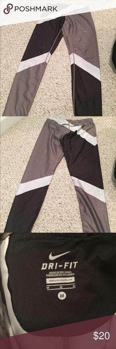 Nike Dri Fit leggings size medium Nike Dri Fit leggings size medium Nike Pants Leggings