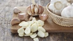Aphrodisiac Foods To Supercharge Your Sex Drive - Garlic Flu Remedies, Natural Remedies, Easy To Grow Bulbs, Cleanse Your Liver, Detox Juice Recipes, Natural Kitchen, Growing Veggies, Mashed Cauliflower, Up Dos
