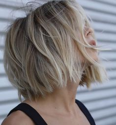 10 Easy Short Bob Haircuts for Thick Hair – Women Short Hair Styles 2019 Best Short Bob Haircuts for Thick Hair, Women Short Hairstyles - Station Of Colored Hairs Cute Hairstyles For Medium Hair, Haircut For Thick Hair, Short Hairstyles For Women, Messy Hairstyles, Medium Hair Styles, Curly Hair Styles, Hairstyle Ideas, Bobs For Thick Hair, Haircut Bangs