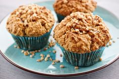 Oatmeal Muffin Oatmeal has a cholesterol-lowering effect; it is delicious & nutritious at the same time. No guilty for this muffin! High Protein Muffins, Banana Oat Muffins, Yogurt Muffins, High Protein Breakfast, Banana Oats, Bakery Muffins, Homemade Muffins, Protein Foods, Whey Protein