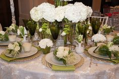 Bourdeaux and Associates. Dallas Kappa Tablescapes. Green and white table setting