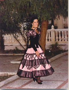 Goyesco style dress made ​​by Lina. www.lina1960.com Spanish Costume, Spanish Towns, Spanish Dancer, Flamenco Dancers, Cadiz, Dress Making, Spain, Fashion Dresses, Costumes
