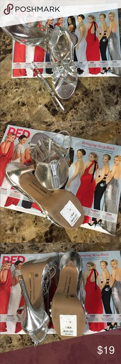 """Chinese Laundry silver heels🎉 🍾🍷Chinese Laundry, Fiesta Metallic/Silver 5"""" heels. EUC Tag still on the sole. Dress for the party in these! 🍾🍷 Chinese Laundry Shoes Heels"""