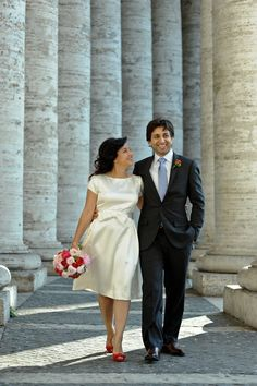 Cute short dress with bow! From Rome wedding :)