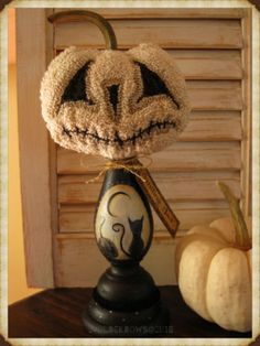 Smiling-Jack-Primitive-Original-Halloween-JOL-Punch-Needle-Pumpkin-Make-do-OOAK