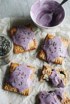 Whisk away to childhood nostalgia with these homemade Blueberry Lavender Pop Tarts. Just Desserts, Delicious Desserts, Dessert Recipes, Yummy Food, Popcorn Recipes, Vegan Desserts, Dessert Ideas, Tasty, Lavender Recipes