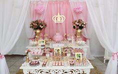 Festa Princesa 1 aninho da Bella. Decoração feita pela mamãe aqui (orgulho) com a ajuda de muitas pessoas. Sonho realizado!!!
