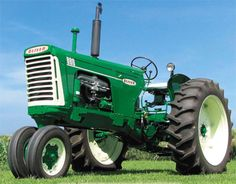 1959 Oliver 880 Tractor
