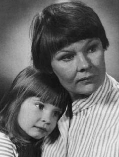 Judi Dench with her daughter, notice just how much the daughter Finty (Tara)  looks like her father Michael Williams (died 2001.)
