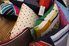 New pillow with vintage foulard #foulab http://morgatta.wordpress.com/2014/06/12/foulab-non-chiamateli-cuscini/