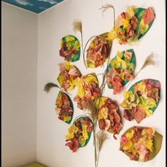 【アプリ投稿】『秋の壁面作成』 | みんなのタネ | あそびのタネNo.1[ほいくる]保育や子育てに繋がる遊び情報サイト Wall Decor, Seasons, Fall, Crafts, Painting, Wall Hanging Decor, Autumn, Manualidades, Fall Season