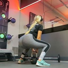 """3,204 Likes, 42 Comments - ELLE (@elledarbyfit) on Instagram: """"TAG YOUR WORKOUT PARTNER & get trying this bloody horrible amazing burning fantastic disgusting…"""""""